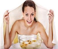 لجمال بشرتك.. أسهل طريقة لحمام البخار بالمنزل