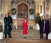للمرة الأولى منذ انتشار كورونا.. الملكة إليزابيث تستقبل أفراد عائلتها