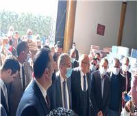 وزير التموين يتفقد عددًا من المنافذ التموينية في الإسكندرية