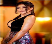 جهاد عصام بفستان جرئ على ريد كاربت «القاهرة السينمائي»