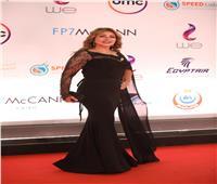فيديو| بفستان أسود.. ليلى علوي بإطلالة مميزة في ختام «القاهرة السينمائي»