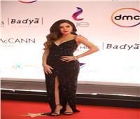 جميلة عوض تنافس نجمات «القاهرة السينمائي» بفستان أسود