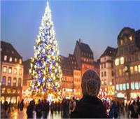 فرنسا تستقبل رأس السنة بحظر تجول