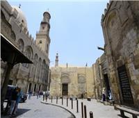 بالفيديو.. جولة داخل المعالم التاريخية بشارع المعز