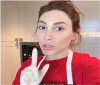 «يارا» تشارك جمهورها لحظات طبخ الشوربة الشتوية| فيديو