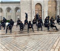 أين أدى منتخب الشباب صلاة الجمعة في تونس؟  صور