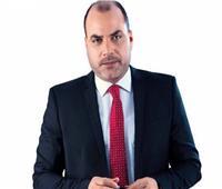 «إعلامى» يدعو للرد على «الإرهابية» بنشر إنجازات الدولة بـ«السوشيال»