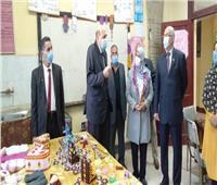 وكيل «تعليم القليوبية» يتابع سير الدراسة وارتداء الكمامات بالمدارس