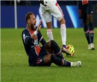 صور| نيمار يخرج على «نقالة» بعد تعرضه لإصابة قوية أمام ليون