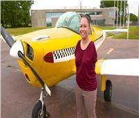 «جيسكا» أول طيار بلا ذراعين في العالم