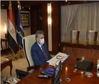 رئيس هيئة قناة السويس يفوز بجائزة الإنجاز المتميز بالشرق الأوسط