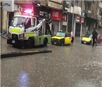 «المرور» تنشر سيارتها على الطرق السريعة والمحاور لمواجهة الطقس السيئ