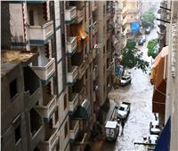 أمطار غزيرة ورياح شديدة تضرب الإسكندرية.. والمحافظ: الزموا المنازل.. فيديو