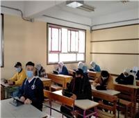 12454 طالبا أدوا الاختبار التجريبي للصف الأول الثانوي بدمياط