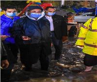 محافظ الإسكندرية: 10 سيارات لتصريف مياه الأمطار بمنطقة طوسون