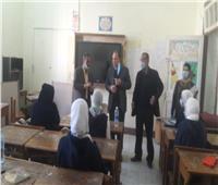 طلاب أولى ثانوي يواصلون الامتحان التجريبي إليكترونيا بأسيوط