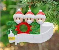 «الكريسماس الحزين».. أشجار «رأس السنة» بالكمامات والمناديل الورقية
