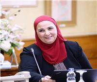 وزيرة التضامن تعرض جهود «الهلال الأحمر» لمجابهة كورونا