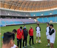 ثنائي منتخب الشباب يكملان القائمة استعدادًا لمواجهة تونس