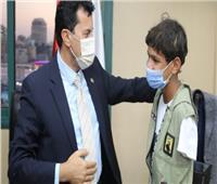 فيديو| تفاصيل تكريم وزير الشباب أحد الأطفال الموهبين من ذوي الهمم