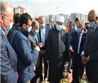 وزير الأوقاف يؤدي صلاة الجمعة بمسجد «تحيا مصر» بالأسمرات 3 ويشكر الرئيس
