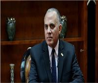 محافظ السويس يستقبل وزير الري لتفقد مشروعات «تبطين الترع»