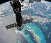 «روسيا» لا تستبعد وجود ثقب ثان يسرب الهواء في محطة الفضاء الدولية