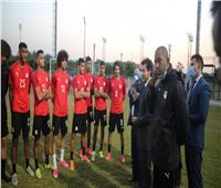 منتخب الشباب يصل القاهرة ويخضع للحجر الصحي