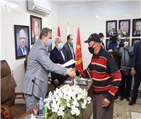تسليم 150 شهادة «أمان»و50 عقد عمل لذوي القدرات الخاصة ببورسعيد