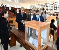 صور| وسط إجراءات احترازية.. انتخابات طلاب جامعة القناة تسير بشكل منتظم