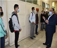 رئيس جامعة حلوان يتفقد سير الجولة الأولى لانتخابات الاتحادات الطلابية