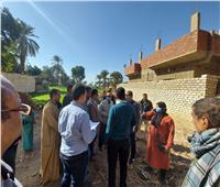 رئيس مدينة إسنا يتفقد مشروع تطوير قرية الدير ونجع الفوال