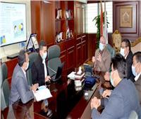محافظ بني سويف يبحث تنمية الاستثمار مع رئيس المنطقة التكنولوجية