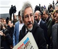 تركيا تحكم على صحفي معارض بالسجن 27 عامًا