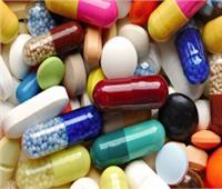 «أستاذ مناعة» يكشف مخاطر المبالغة في تناول «المسكنات»