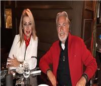مصطفى فهمي يحتفل بالكريسماس مع زوجته فاتن موسى  صور