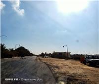 استمرار رصف طريق أصغر قرية مصرية