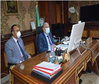 محافظ المنيا يتابع مع رئيس مجلس الوزراء الأوضاع بالمحافظة