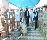 رئيس الأركان يتفقد معسكر إعداد وتأهيل مقاتلي شمال سيناء بالجيش الثاني..صور