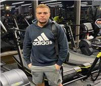 رامي صبري يستعرض لياقته البدنية بفيديو في الجيم