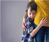 للأمهات.. علامات تدل على إصابة طفلك بالقلق المرضي
