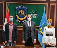 رئيس جامعة دمنهور يعيد الطالب المفصول بكلية التجارة.. ويشكل لجنة للتحقيق