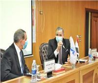 رئيس جامعة كفر الشيخ يشدد على تطبيق الإجراءات الاحترازية لمواجهة «كورونا»