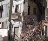 إصابة ربة منزل وابنتها في انهيار جزئي لعقار بالجيزة