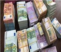 اليورو يسجل أعلى مستوى منذ أكثر من عامين أمام الدولار
