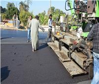 استكمال أعمال رصف مدخل إسنا شرق بعد انتهاء أعمال إصلاح الطريق