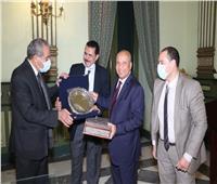 «التموين» تكرم رؤساء «السكر والصناعات التكاملية ومطاحن جنوب القاهرة»