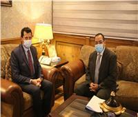 وزير الرياضة يعقد جلسة مع رئيس الجهاز المركزي للتنظيم والإدارة