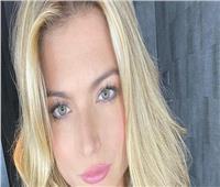 اعتقال ملكة جمال بريطانيا بسبب إصابتها بـ«كورونا»