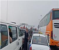 تكدس في حركة السيارات بسبب 3 حوادث تصادم بطريق «بورسعيد - القاهرة» | فيديو